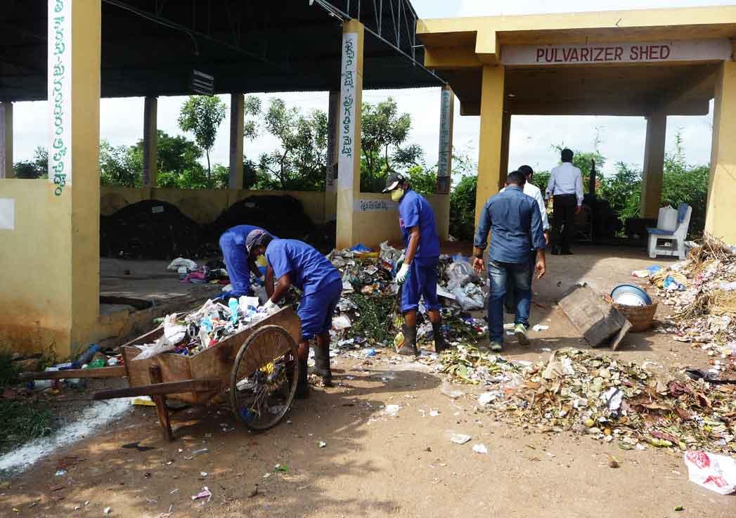 India-Waste-1