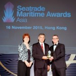 Alan Lowry accepting Berge Bulk's Seatrade Maritime Asia Safety Award in Hong Kong on 16 Nov 2015